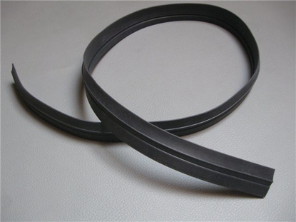 Picture of rubber targa top, side, flat rubber
