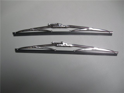 Picture of set wiper blades, chromes