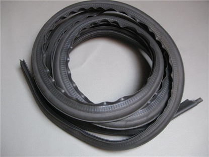 Picture of rubber weatherstrip seal rear trunk