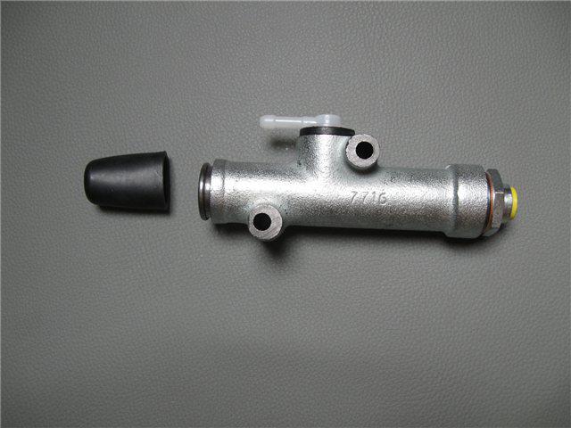 Afbeeldingen van hoofdkoppelingscilinder (bij pedalen)