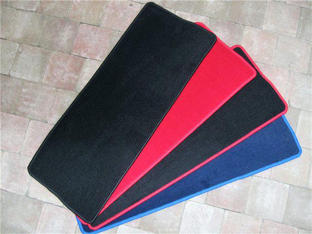 Afbeeldingen van tapijt bagageruimte achterzijde, ZWART