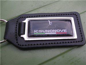 Afbeeldingen van sleutelhanger 40 anni X 1/9, leder, logo zwart